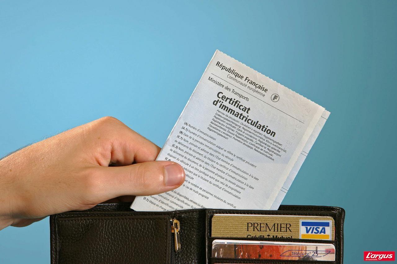 Démarches administratives pour obtenir une carte grise